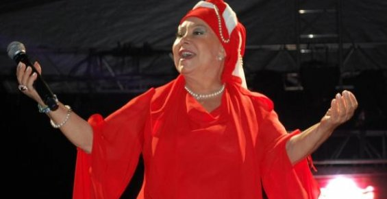 Bedia Akartürk Konser Silifke'de Verdi
