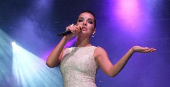 Bengü Uluslararası Silifke Kültür Haftasında Konser Verdi.