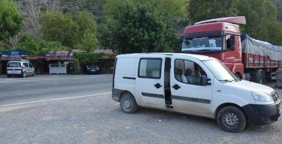 Bozyazı ve Aydıncık'ta Araçlarda Hırsızlık Yapıldı