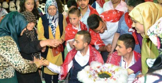 Bozyazı'da Kınalı Kuzular Askere Uğurlandı