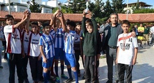 Bozyazı'da Öğrenciler Atatürk İçin Koçtu