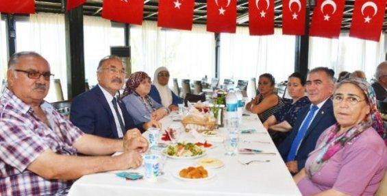 Büyükşehir Belediyesi'nden, Kıbrıs Şehitlerinin Aileleri ve Gaziler Onuruna Yemek