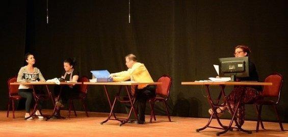 Büyükşehir Çalışanlarına Tiyatro Oyunu İle Etik Kavramı Anlatıldı