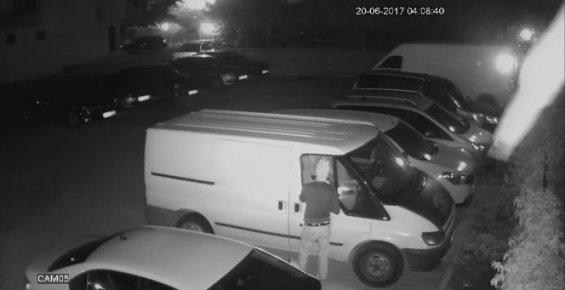 Cezaevi Firarisi Oto Hırsızı İş Başında Yakalandı