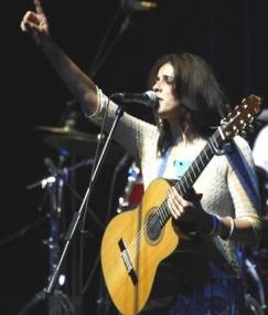 Cezayirli Souad Massı'den Etkileyici Performans