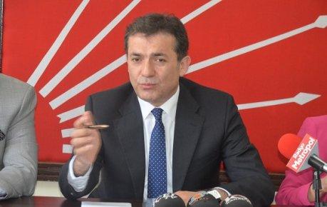 CHP Mersin İl Başkanı Özyiğit'ten Olağanüstü Kongre Talebini Eleştirdi.