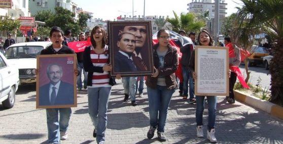 CHP'li  Gençler Anamurda Yürüdü