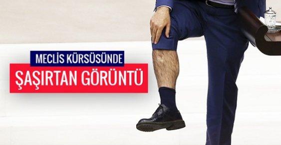 CHP'li Vekil Kürsüde Pantalonun Paçasını Açıp Gösterdi