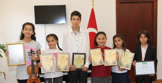 ÇÜ Devlet Konservatuvarı öğrencilerine ödül