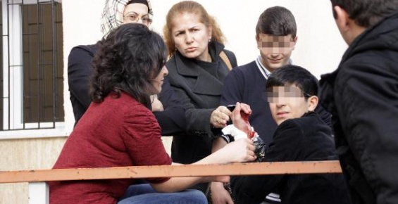 DERSHANEYİ BIRAK, DEVLET OKULLARINA BAK !