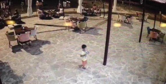 Duşakabinde Ölü Bulunan Küçük Muhammed'in Görüntüleri Ortaya Çıktı