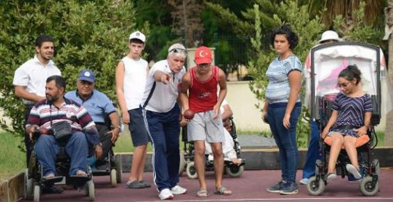 Engelliler Eğitim Parkı'nda Engeller Aşıyor