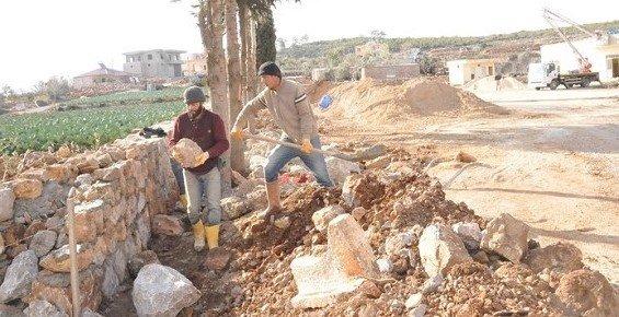 Erdemli Belediyesi, Ağlıca Mevkinde Meydan Yapıyor