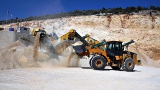 Erdemli Belediyesi Taş Kırma Tesisi, Günde 80 Kamyon Üretim Yapıyor