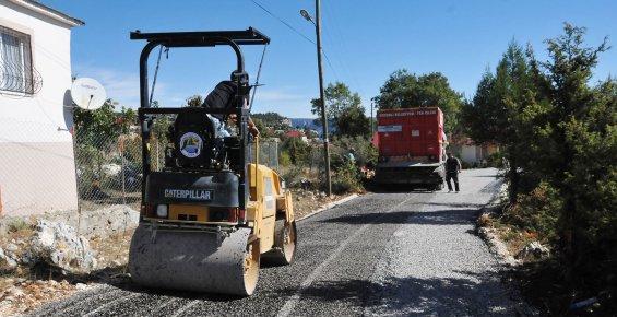 Erdemli Belediyesi, Yayla Yollarını Asfaltlıyor