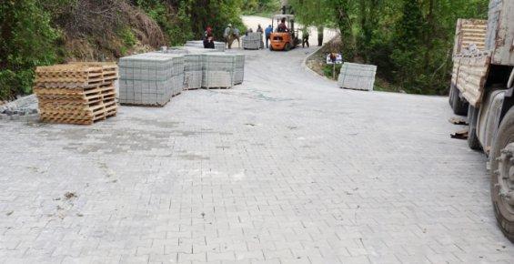 Erdemli Belediyesi, Yolları Parke Taşlarla Döşüyor