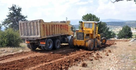 Erdemli Belediyesi'nin Alt Yapı Çalışmaları Sürüyor