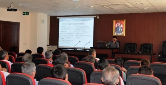 Erdemli'de Belediye Çalışanlarına Eğitimler Veriliyor