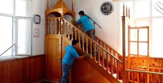 Erdemli'de Cami ve Kur'an Kurslarına Temizlik Hizmeti