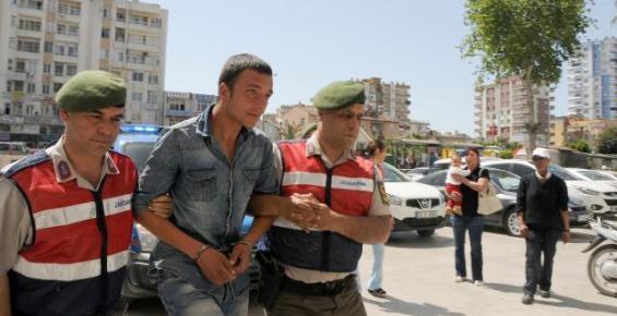 Erdemli'de Jandarma Turistin 25 Bin Lirasını Kurtardı