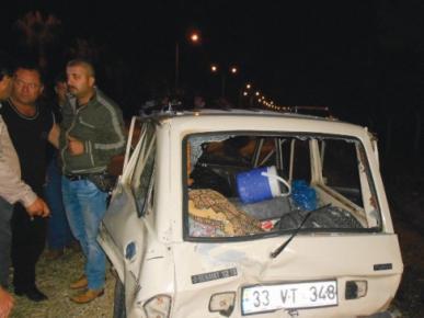 Erdemli'de Zincirleme Trafik Kazası: 2 Yaralı