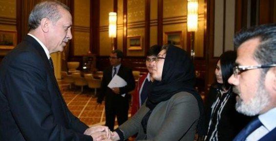 Erdoğan Özgecan'ın Ailesini Saray'da Kabul Etti