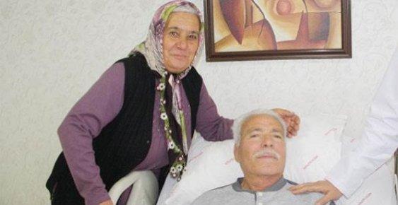Eşini Kalp Masajıyla Hayata Döndürdü