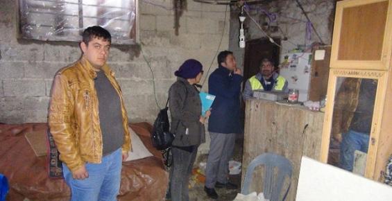Evinin Çatısı Çöken Aileye Silifke Belediyesi Sahip Çıktı