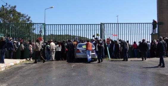 Eyleme Mercedes İle Gelen Vekil'in Biber Gazı Sitemi