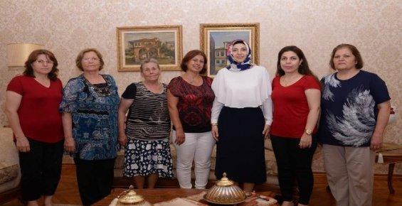 Gazi Eşlerinden Zaliha Su'ya Ziyaret
