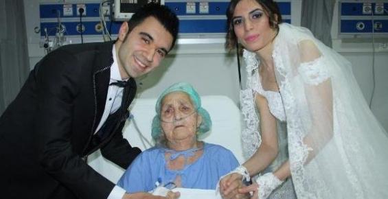 Gelinle Damattan Hastanede Yatan Babaanneye Sürpriz Ziyaret