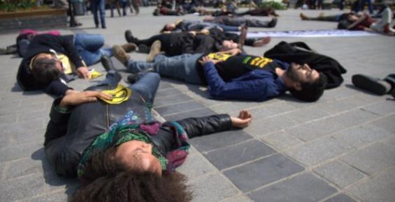 Greenpeace'ten Eş Zamanlı Akkuyu Protestosu