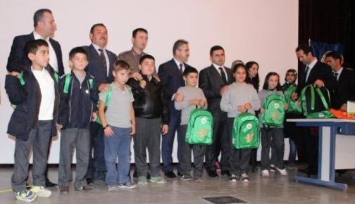 Gülnar'da Öğrencilere Eğitim Seti Dağıtıldı