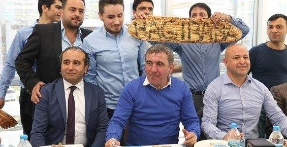 Hagi Mersin'de Türk Mutfağının Önemli Lezzettlerini Tatdı