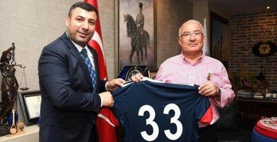 """Kocamaz: """"Mersin İdmanyurdu'nu Yeniden Ayağa Kaldıracak Yöneticilere İhtiyaç Var"""""""
