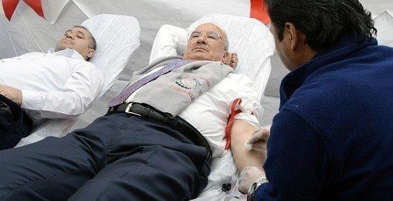 Kocamaz'dan Kızılay Kan Bağışı Kampanyasına Destek