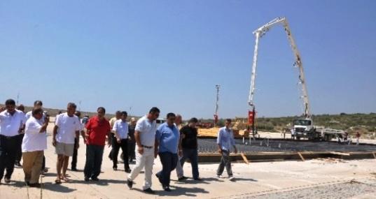 Kumkuyu Yat Limanının Üst Yapı İnşaat Temeli Törenle Atıldı