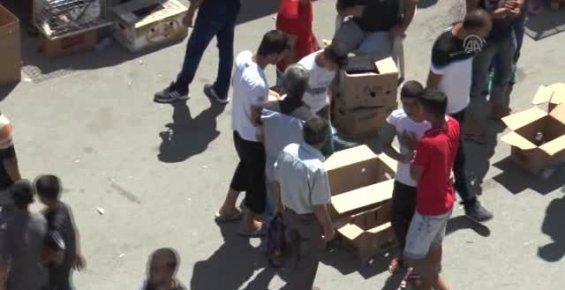 Kuş Satıcıları Mersin'de Pazarlarında Bir Araya Geldiler