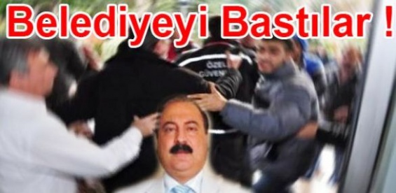 Mersin Büyükşehir Belediyesini Bastılar