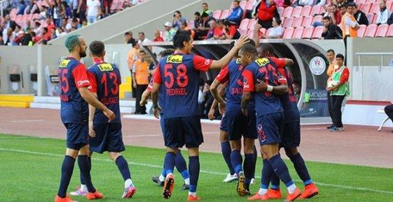 Mersin İdmanyurdu Konyaspor'u  3-1 Yendi