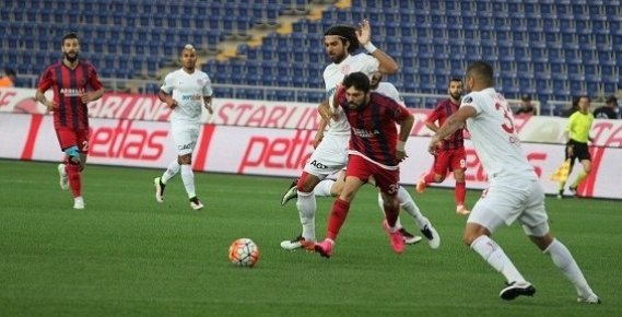 Mersin İdmanyurdu Sahasında Antalyaspor'a Yenildi.