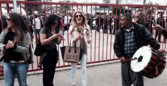 Futbolcu Eşlerinden Davullu Zurnalı Sevinç