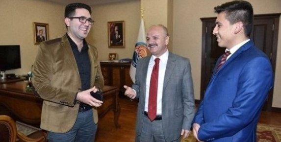 Mersin Valisi Sosyal Medyadan Kahve İçme Teklifini Kabul Etti.