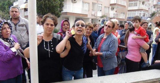 Mersin'de 1000 Dairelik Güven Sitesinde Kapı Kavgası