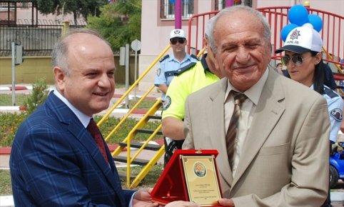 Mersin'de 20 Yıllık Taksiciye Yılın Şoförü Ödülü
