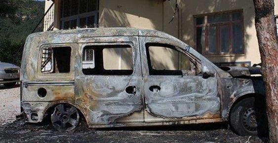 Mersin'de 3 Araç Kundaklandı.