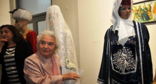 Mersin'de 96'lk Vali Eşi Kendi Tasarımı Kıyafetleri Sergiledi