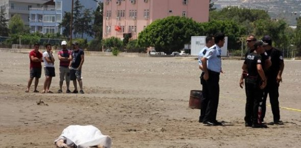 Mersin'de Alman Turist Denizde Boğuldu
