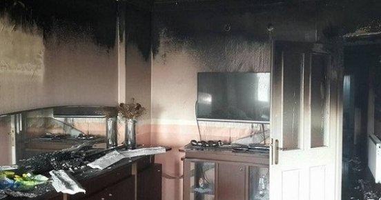 Mersin'de Apartman Dairesinde Yangın