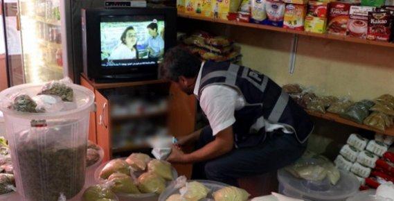 Mersin'de Bakkal Görünümlü Eczane Polisi Bile Şaşırttı